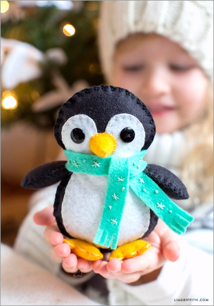 Stuffed Penguin Softy Pattern from Lia Griffith rweaf